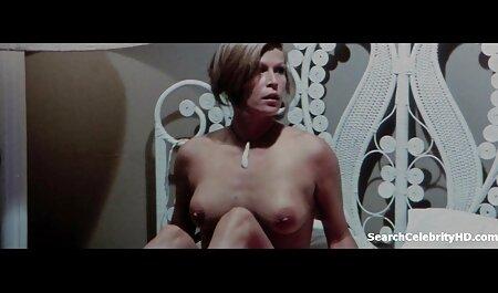 Nadine in de douche gratis poron film